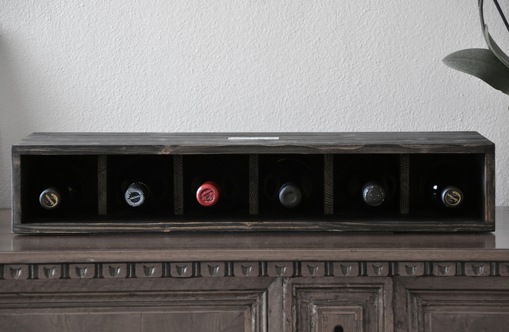 Vesoto charming wine rack